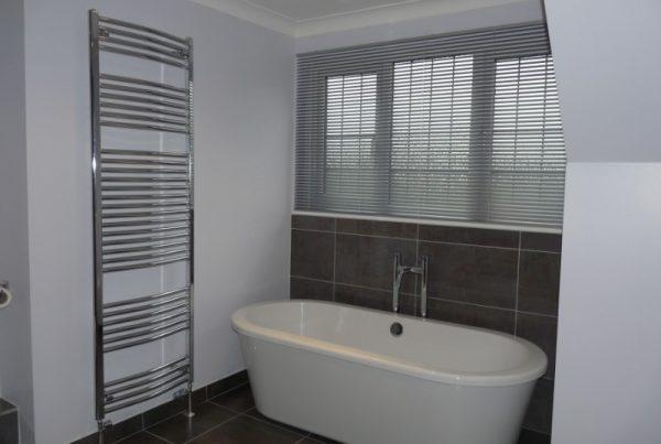 En-suite with freestanding bath