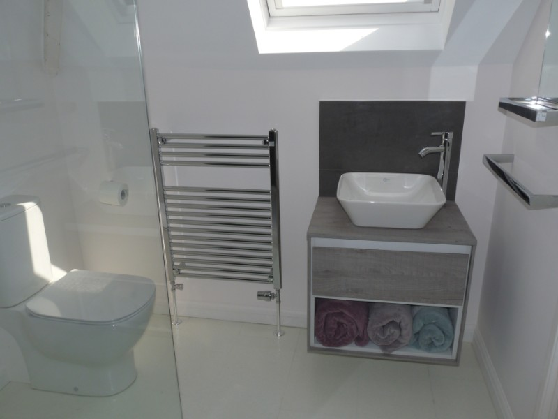 Vanity unit and sit on basin