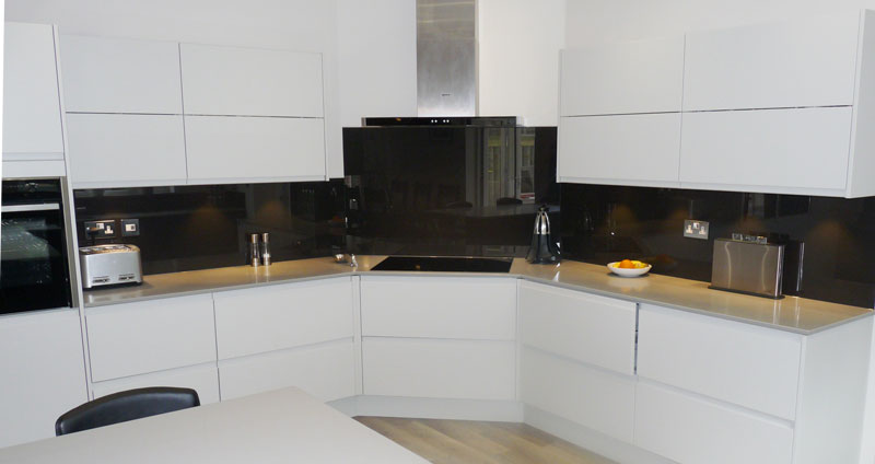 Glass-splashbacks-kitchens