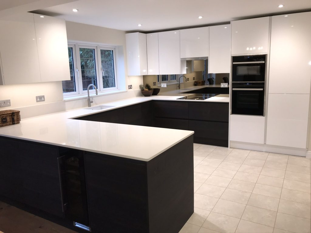 Alpina Deep Oak and Porter gloss kitchen